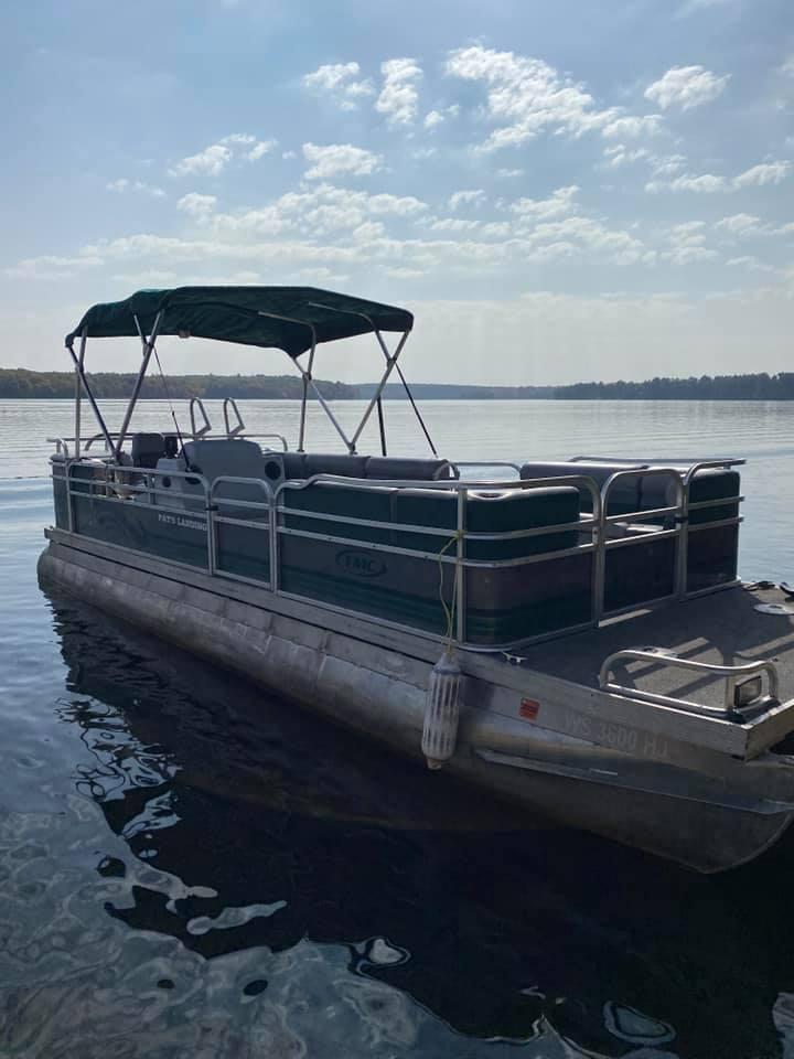 Pontoon Boat Rental at Pats Landing